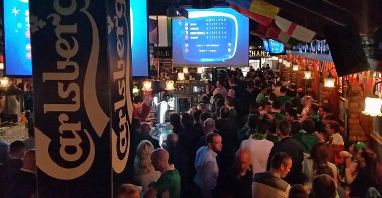 El bar lleno (Sinnott's, Facebook)