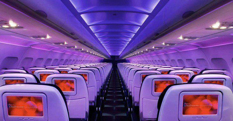 En cabina (Virgin America, Facebook)