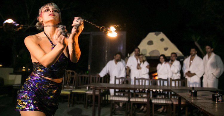 Imagen del espectáculo de fuego del restaurante Innato