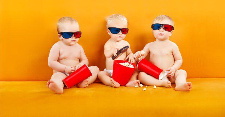 imaden de niños viendo una película 3D