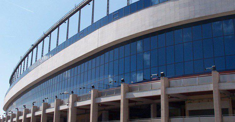 Exteriores del estadio Vicente Calderón. (https://www.atleticodemadrid.com)