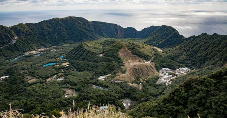 Foto desde las alturas del volcán Aogashima