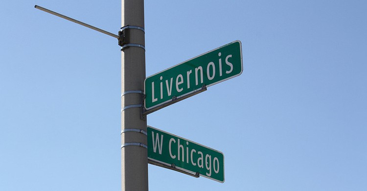 West Chicago con Livernois en Detroit