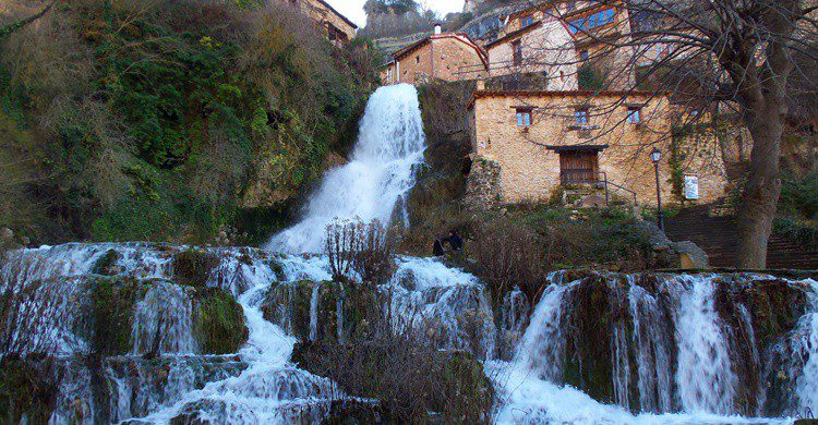 Cascada de Orbaneja del Castillo. Noemitxu skanciadora (Flickr)