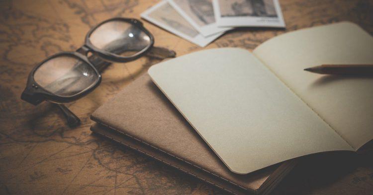 Cuaderno del viaje con fotografías