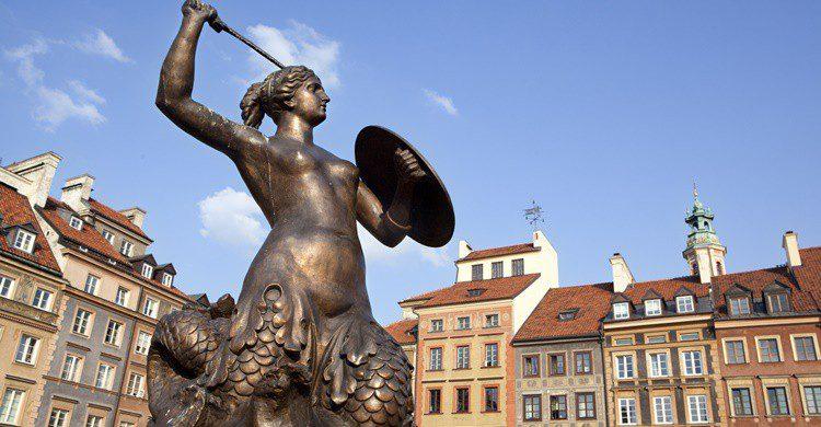 Estatua de la sirenita. Mittoo (iStock)