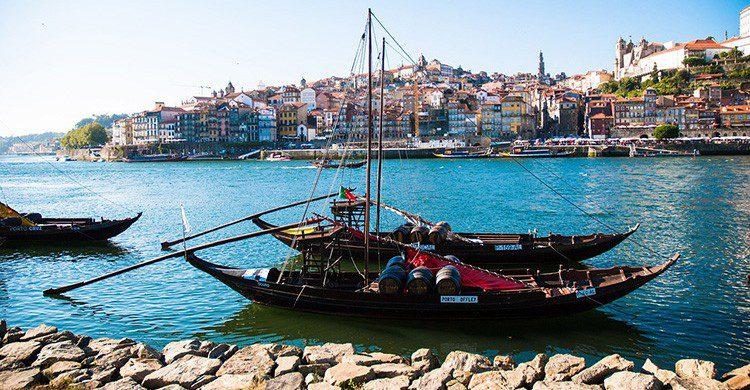 Visitar Oporto desde el río Duero es una maravilla que merece la pena ver. (Pixabay)