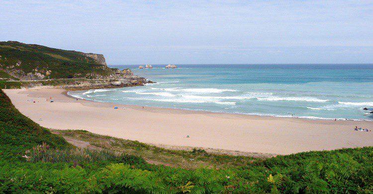 Playa de Miengo. Bradley Howard (Flickr)