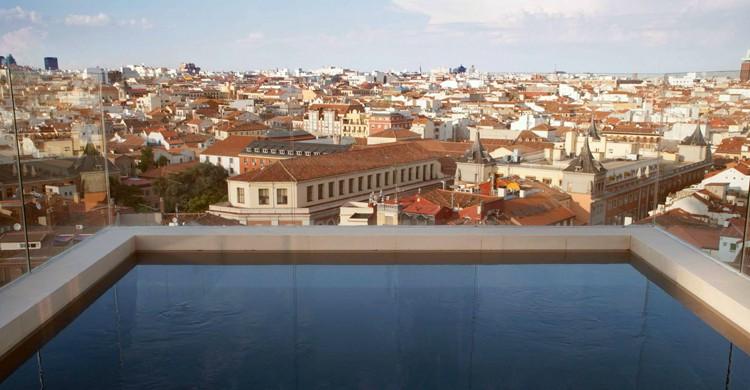 Sky Pool del Dear Hotel (Dear Hotel, Facebook)