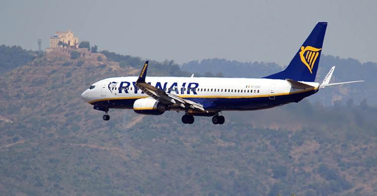 Un avión de Ryanair en pleno vuelo