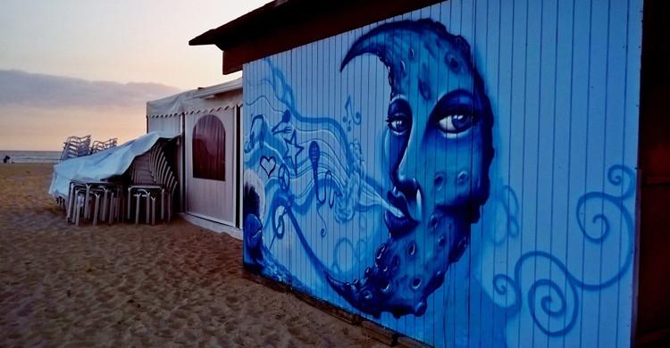 Caseta pintada (Chiringuito La Luna, Facebook)
