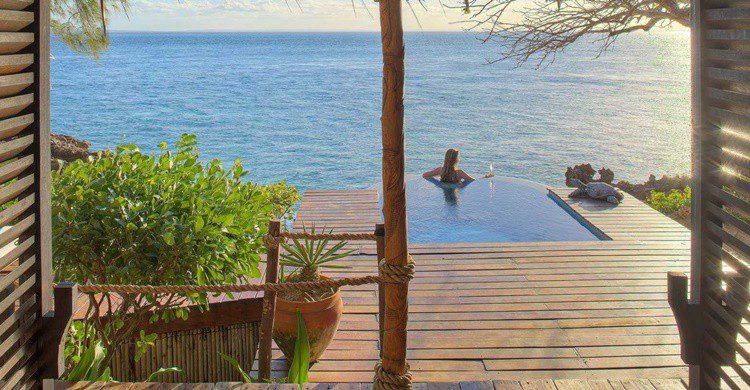 Imagen de uno de los rincones que ofrece la isla. (http://www.azura-retreats.com/azura-quilalea/)