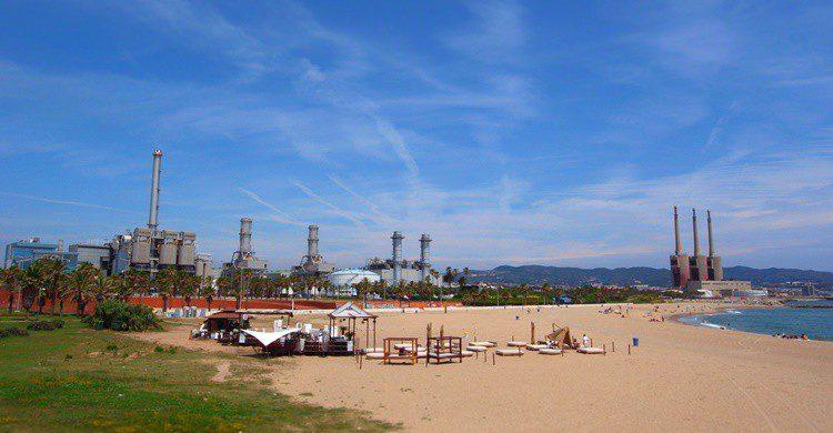Playa en Sant Adriá de Besós. Almusaiti (Flickr)