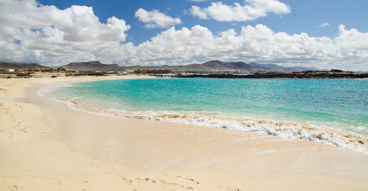 Playa de El Cotillo en Fuerteventura. GianluigiIacono (iStock)