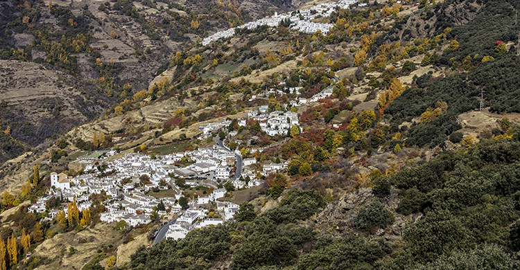 Vistas de un pueblo de la Alpujarra