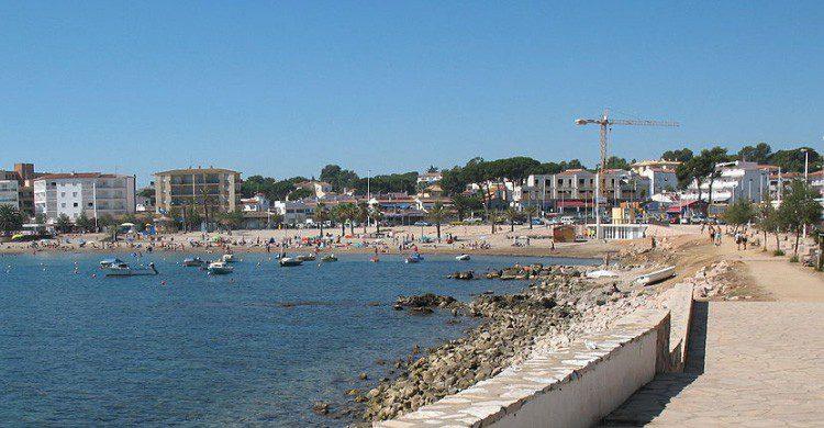 pueblo costero en verano