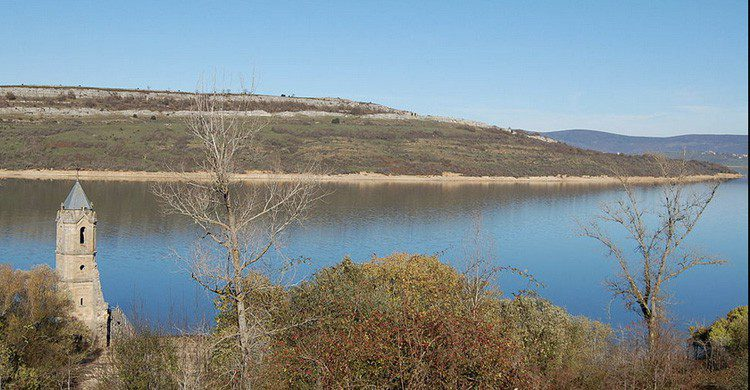 embalse del Ebro en Cantabria