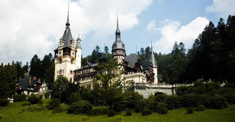 Vistas de un castillo en Rumanía