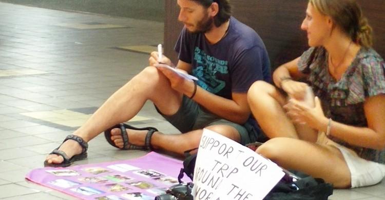 beg-packers en Singapur (Maisarah Abu Samah, Twitter)