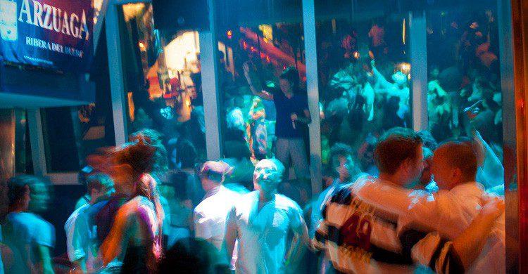 La sala interior de la discoteca Bora Bora en Ibiza (Fuente: Max London / Flickr)