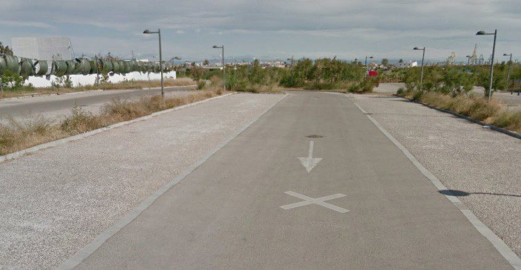 Parking de playa Pinedo (Fuente: Google Maps)