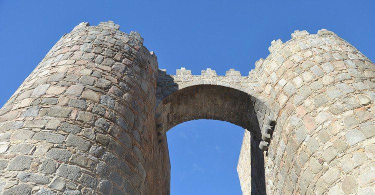 Puerta de la muralla de Ávila