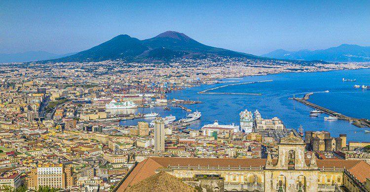 Vistas de Nápoles y del Vesubio