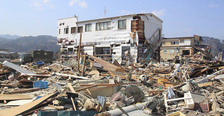 Destrozos tras el terremoto e tsunami de Fukushima