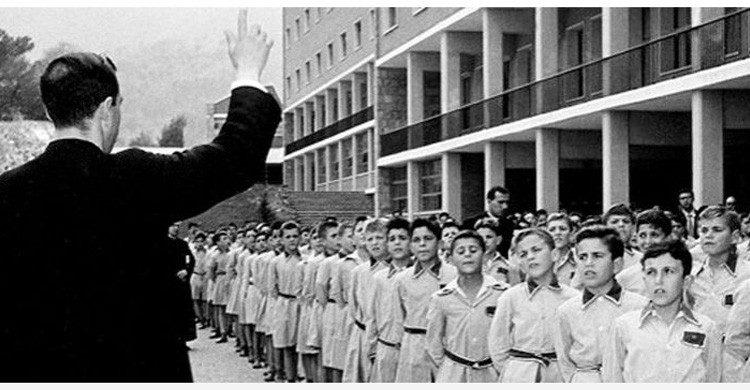 colegios estrictos carceles