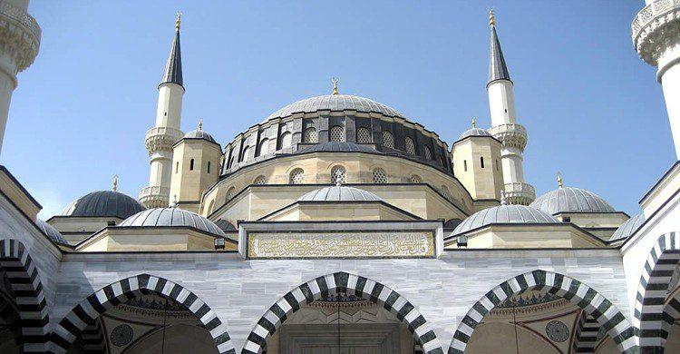 Mezquita Azadi (D-Stanley, Foter)