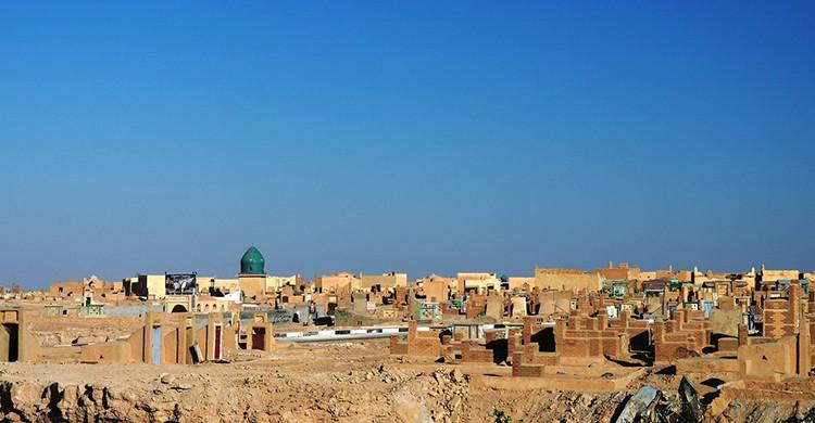 La ciudad cementerio de Najaf, en Irak
