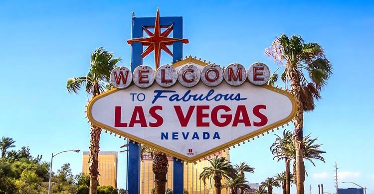 Cartel anunciando la llegada a Las Vegas