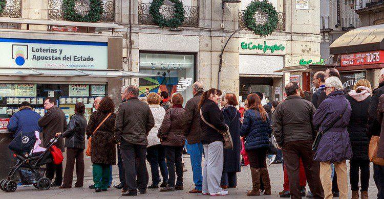 Colas para comprar décimos de la lotería de Navidad (Fuente: Barcex / Flickr)