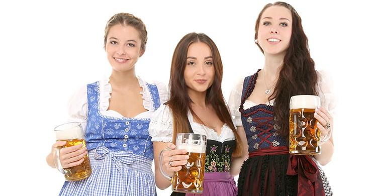 Camareras alemanas en el Oktoberfest