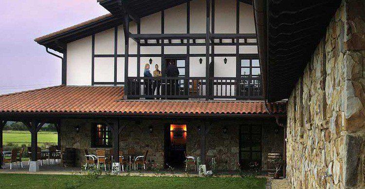 La casa rural Larrakoetxea en Bizkaia (Fuente: larrakoetxea.com)