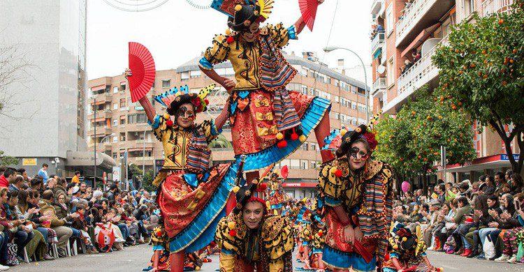 El multitudinario desfile de los Carnavales de Badajoz (Fuente: Angel Vidarte / Flickr)