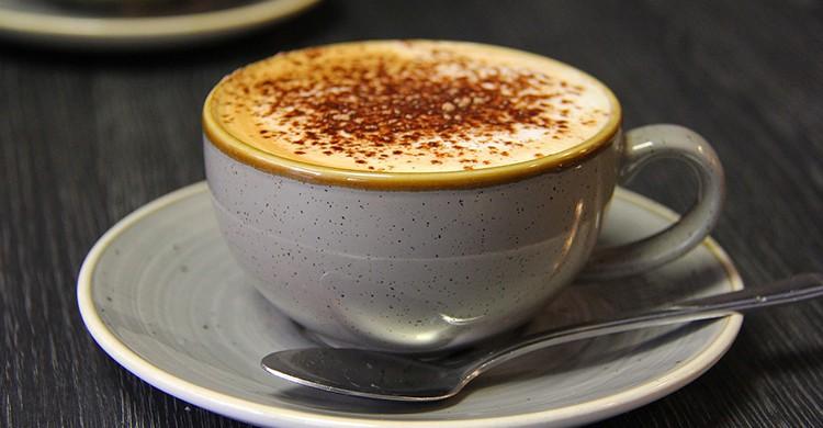 Un cappuccino recién hecho