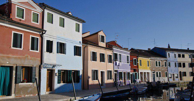 Las coloridas fachadas de Burano, Italia (Fuente: Cristina Valencia / Flickr)