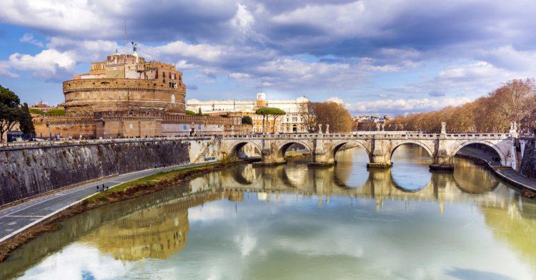 El Puente Sant'Angelo en Roma