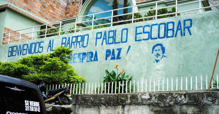 La mítica entrada al Barrio Pablo Escobar (Fuente: wikimedia)
