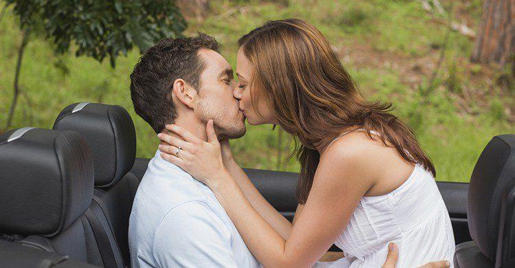 Las multas por practicar sexo en el coche pueden ascender hasta 3.000 euros (iStock)