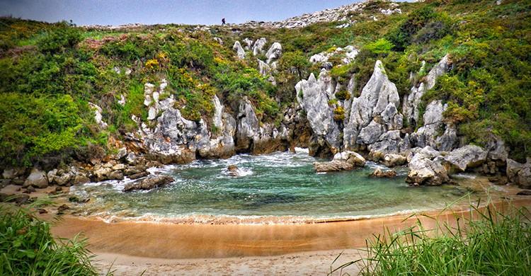 Cala de Gulpiyuri, Asturias