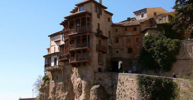 Las famosas Casas Colgadas de Cuenca (Fuente: Toni Rodrigo / Flickr)