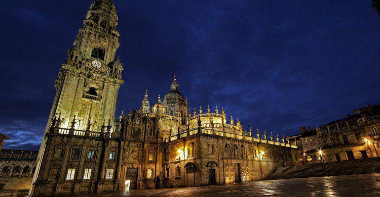 Una de las famosas plazas de Santiago de Compostela (Fuente: Feans / Flickr)