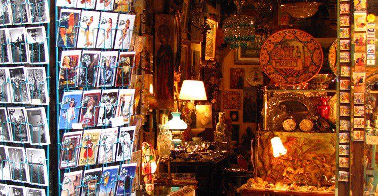 Tiendas y más tiendas en el centro de Barcelona (Fuente: Jeremy Thompson / Flickr)