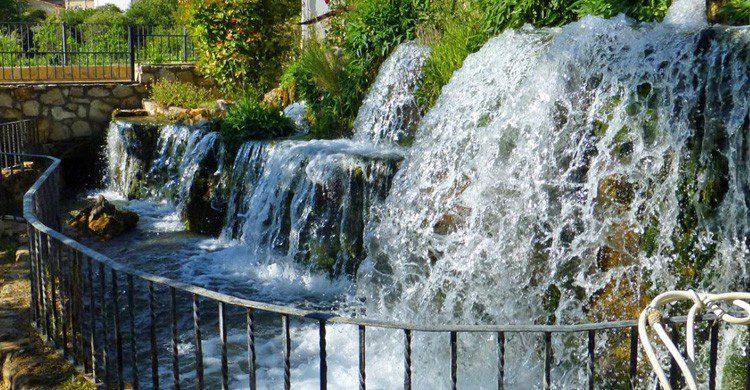 Las cascadas al paso de la ruta del Río Ebrón (Fuente: santialpino.blogspot.com)