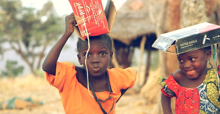 Dos niñas en Nigeria