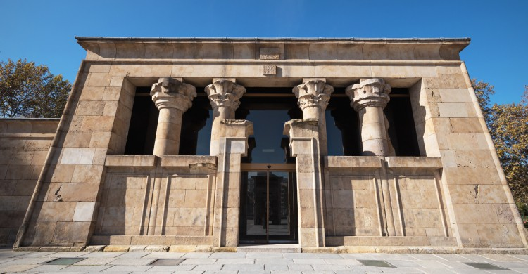 Detalle del Templo de Debod en Madrid