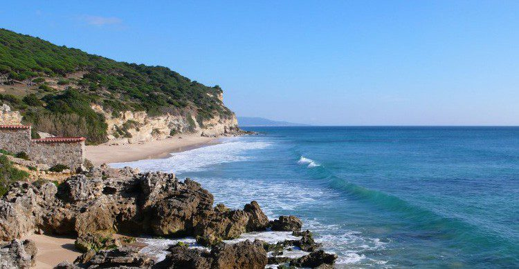 Playa de Castillejos en Caños de Meca, Cádiz (Fuente: muchoequipaje.com)