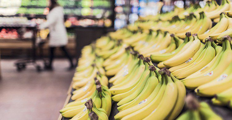 Plátanos en un supermercado